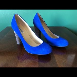 Steve Madden Electric Blue Suede Pumps 9.5
